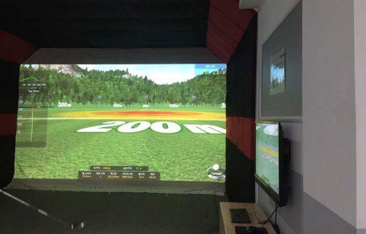 Một phòng golf 3D được trang bị vách ngăn bằng da PU cao cấp trang nhã