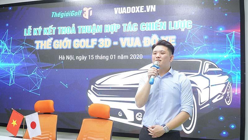CEO Lê Hồng Giang – Vua độ xe phát biểu trong buổi lễ ký kết