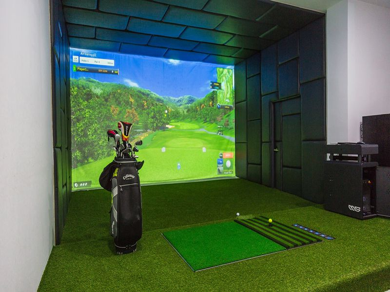 Máy tập golf gồm nhiều thiết bị khác nhau