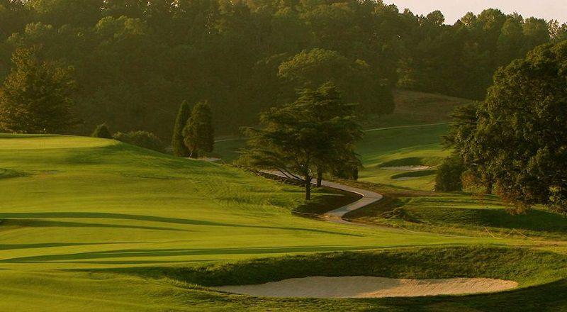 Một sân golf do ông thiết kế