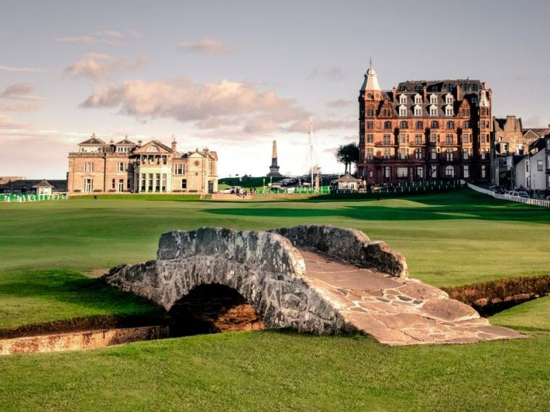 Sân nổi tiếng St Andrews Old Course tại Scotland