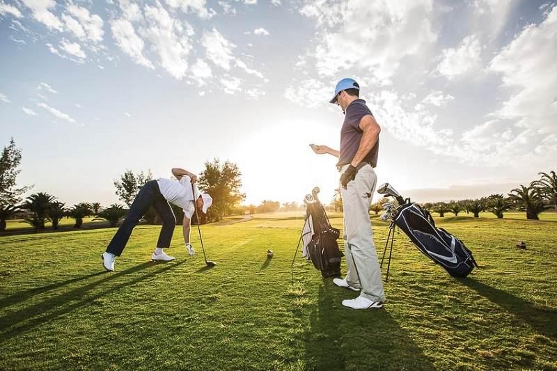 Giá sân golf tùy vào khung giờ chơi