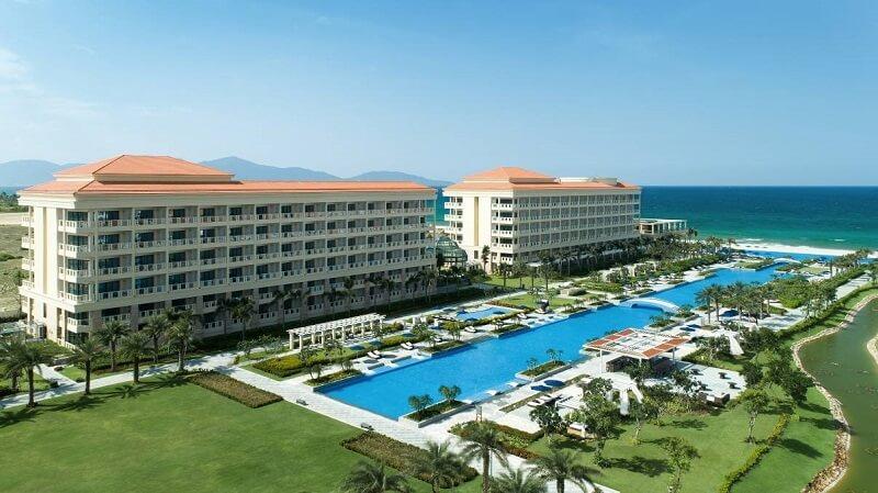 Khu nghỉ dưỡng cao cấp, nằm gần biển