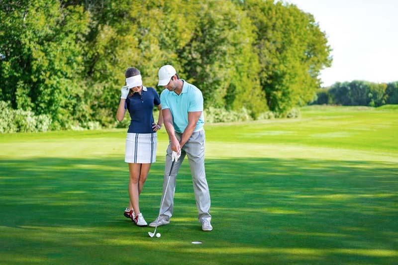 Golfer sẽ có những phút giây thư giãn thoải mái khi chơi golf
