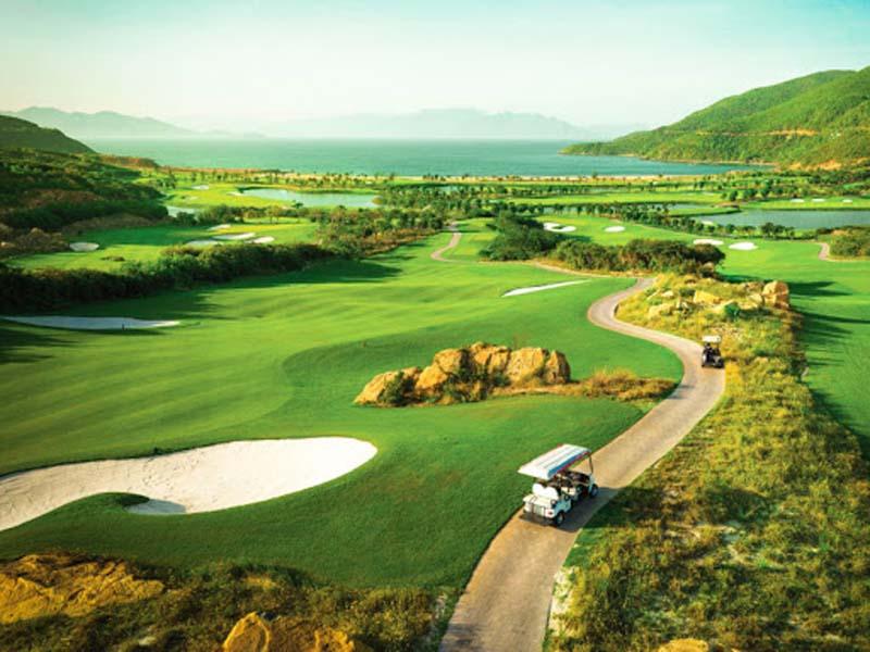 Sân golf Kim Bảng từ trên cao