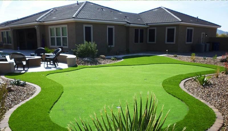 Sân chơi golf ngay tại vườn nhà bạn