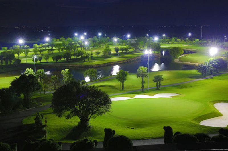 Lựa chọn loại đèn lắp đặt sân golf cũng ảnh hưởng nhiều đến hệ thống chiếu sáng