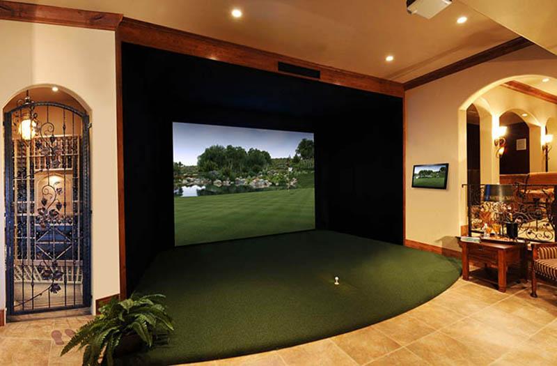 Sự kết hợp giữa gỗ óc chó và gỗ lim đã mang đến không gian chơi golf tự nhiên dễ chịu