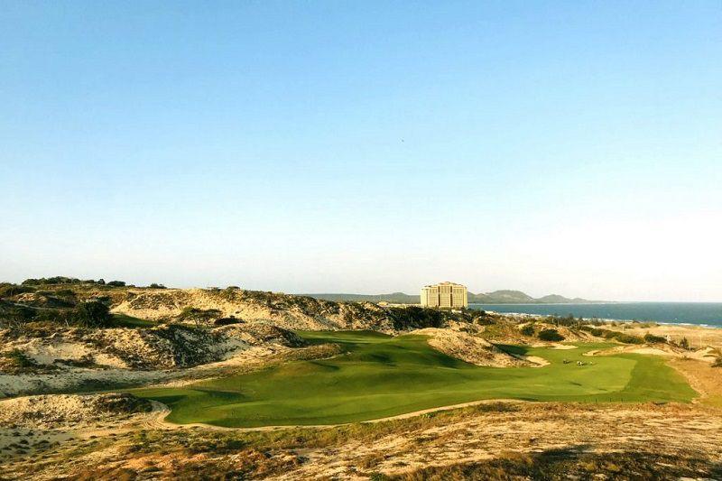 Bạn có thể sử dụng nhiều dịch vụ khi đánh golf tại sân này