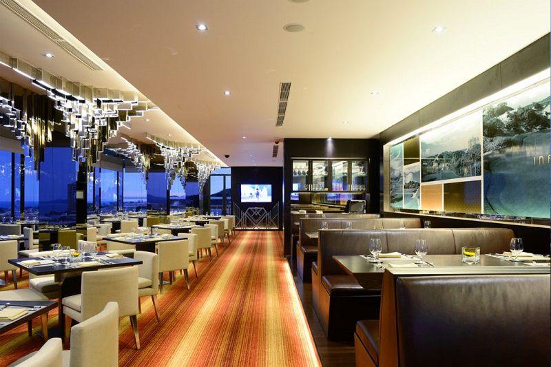 Không gian nhà hàng Infinitya