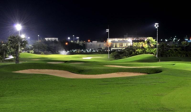 Sân golf Phú Mỹ mở cửa tất cả các ngày và cả buổi đêm