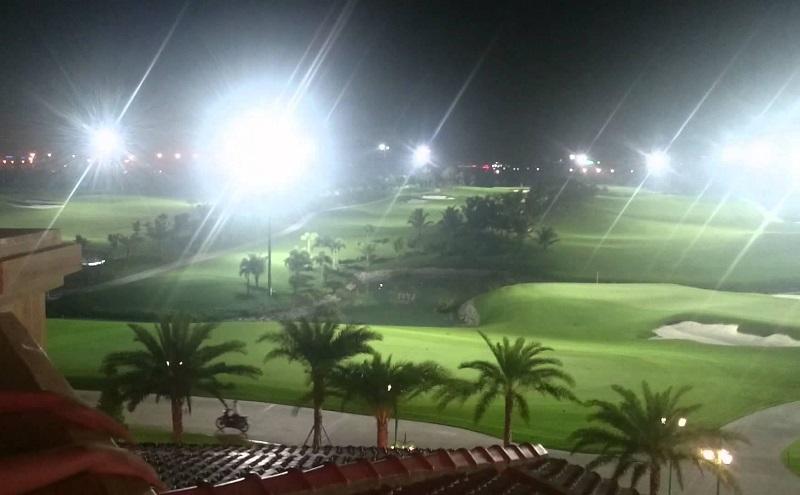 Tại đây có đầy đủ hệ thống chiếu sáng sân golf đạt tiêu chuẩn quốc tế