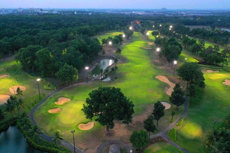 Sân golf Thủ Đức - TP HCM cách trung tâm thành phố Hồ Chí Minh khoảng 20km