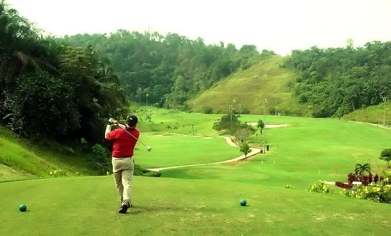 chơi golf tại vân trì