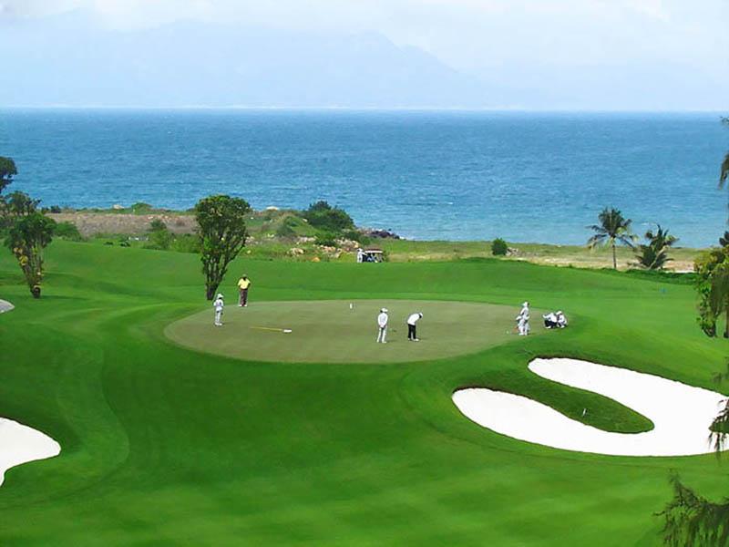 Sân golf cũng được thiêt kế theo tiêu chuẩn par