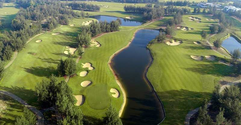 Tổng thể các hố golf nhìn từ trên cao tại sân này