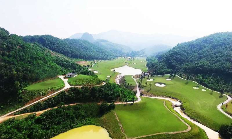 Sân golf có cảnh đẹp nhất nước ta