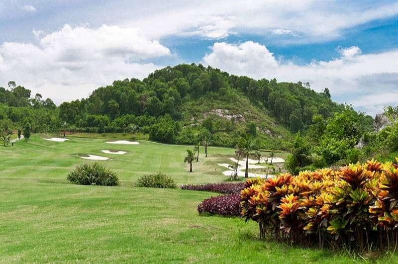Sân golf Yên Thắng Ninh Bình được đánh giá là vừa có nét đẹp riêng, vừa có những thử thách thú vị