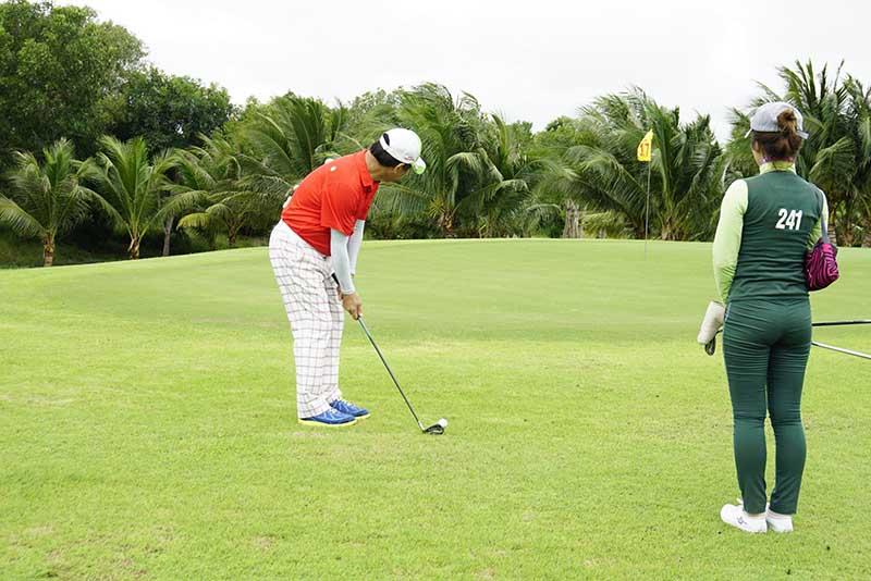 Chi phí vui chơi ở sân golf Paradise Vũng Tàu được đánh giá vừa phải