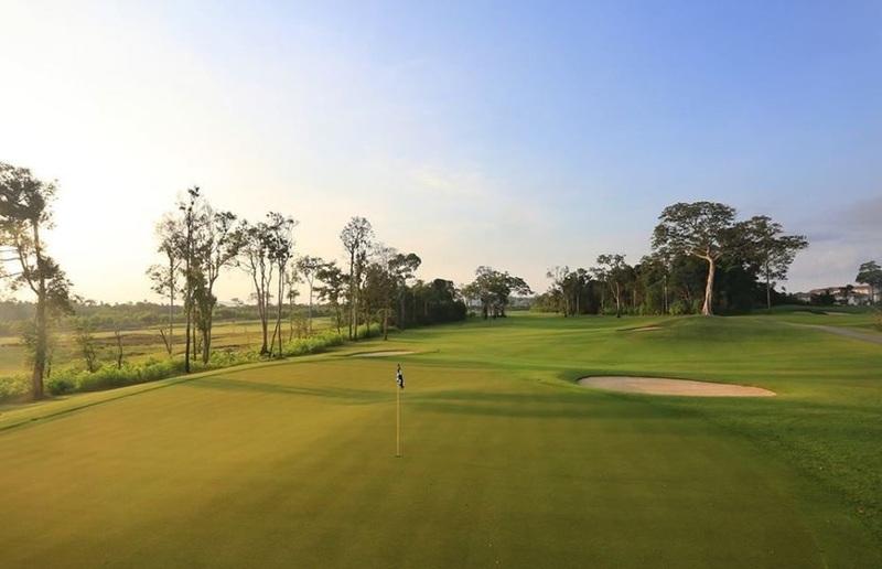 """""""Đây là một sân golf tuyệt đẹp. Tôi nghĩ nó có thể sánh ngang với bất kỳ sân golf hàng đầu nào tại Mỹ"""""""