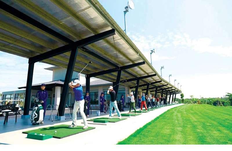 Khu vực sân tập đạt chuẩn PGA của sân golf West LakeKhu vực sân tập đạt chuẩn PGA của sân golf West Lake