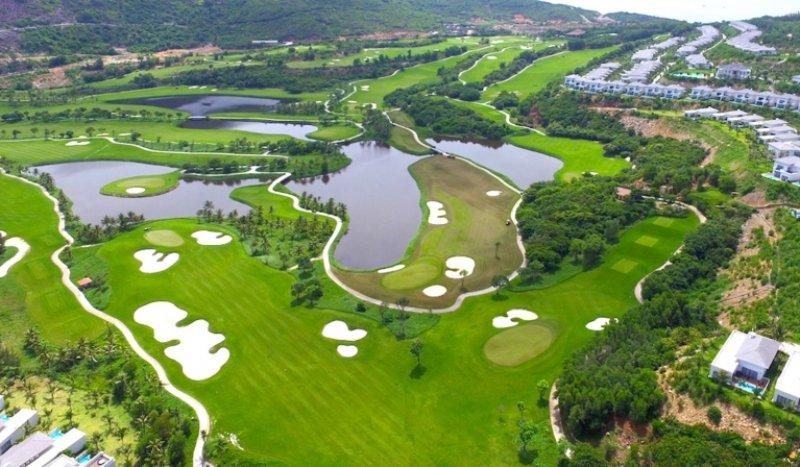 Kiến trúc sân golf VInpearl Nha Trang có 18 lỗ, mỗi lỗ như một thách thức mới với golfer