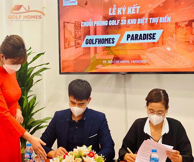 Đại diện 2 bên ký kết hợp đồng - dự án chuỗi phòng Golf 3D khu biệt thự biển Nha Trang