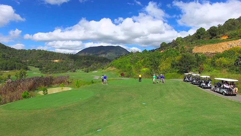 Sân golf Đà Ròn có thiết kế ấn tượng nổi bật