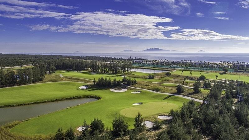 địa hình độc đáo sân golf
