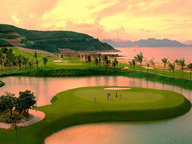 view từ sân golf