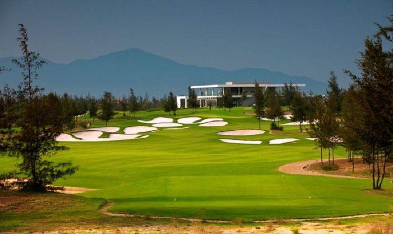 Sân golf Đầm Vạc được xây dựng theo kiến trúc chuẩn quốc tế