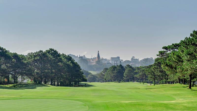 Sân golf Đà Lạt Palace là sân golf cổ nhất Việt Nam