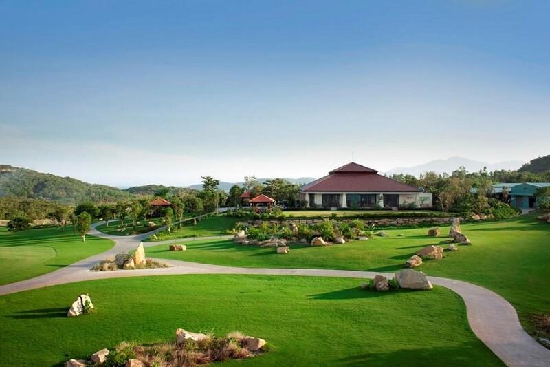 Bên cạnh dự án sân golf là hàng loạt dự án bất động sản tầm cỡ khác