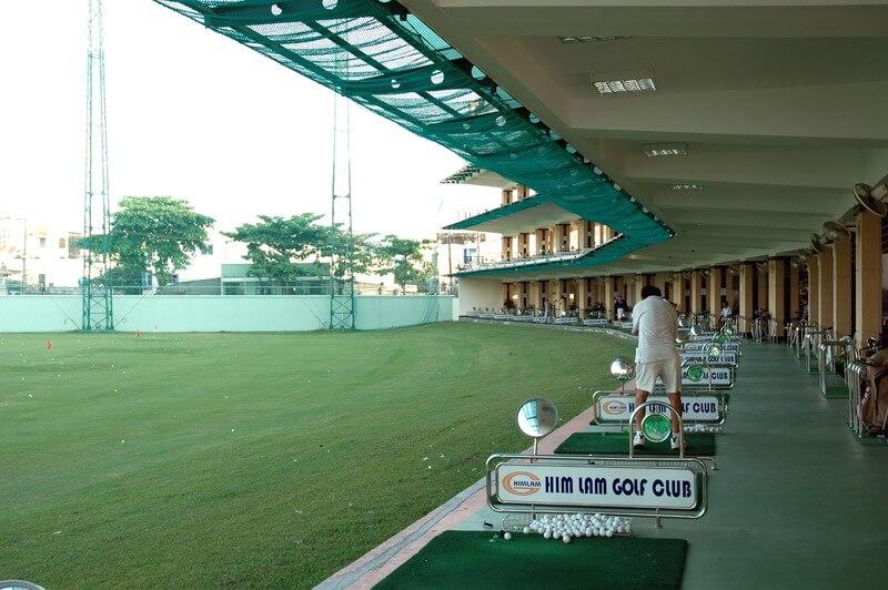 Him Lam Driving Range là nơi quy tụ nhiều golfer chuyên nghiệp