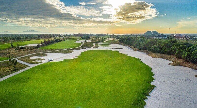 Sân golf Nam Hội An sở hữu không gian thoáng đãng cùng tiện ích đa dạng